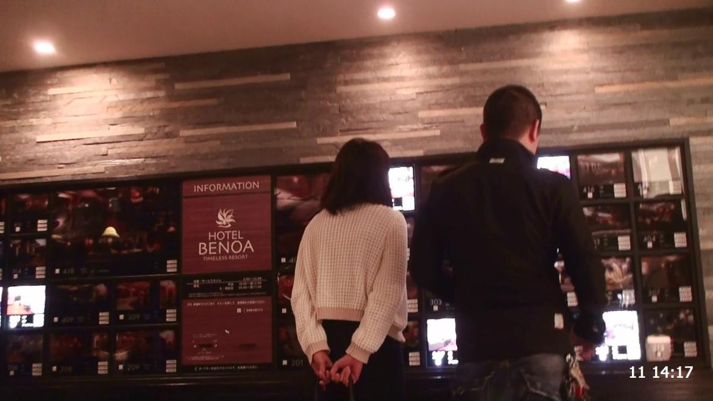 ホテル内で部屋を選ぶ対象者と対象異性